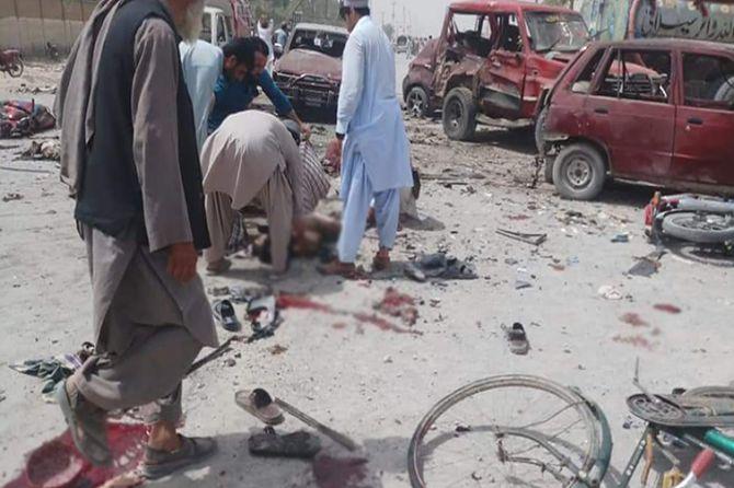 pakistan-bombali-saldiri-001.jpg