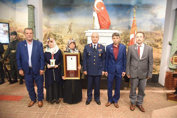 """""""turkiye-sehitlerini-aniyor""""-etkinligi--010.jpg"""