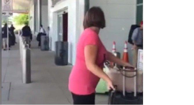abdde-havalimaninda-silah-sesleri-panige-neden-oldu.jpeg