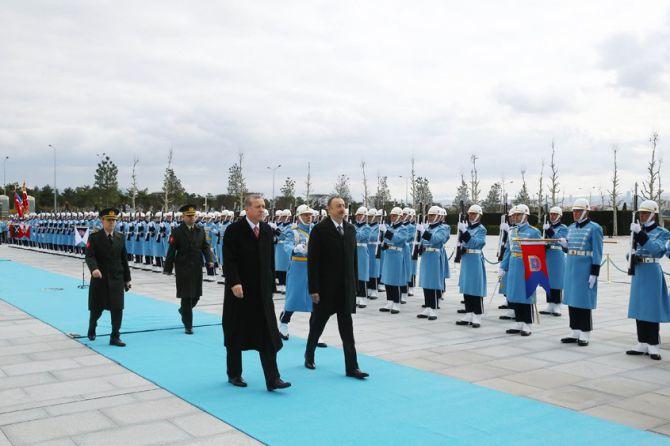 aliyev-cumhurbaskanligi-kulliyesinde-001.jpg