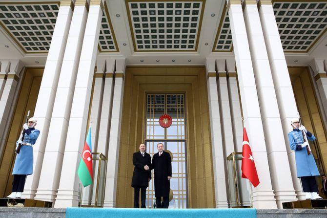 aliyev-cumhurbaskanligi-kulliyesinde-004.jpg