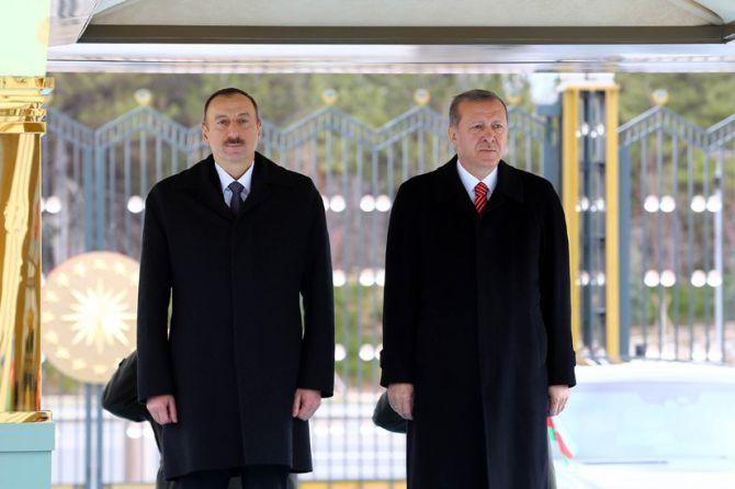 aliyev-cumhurbaskanligi-kulliyesinde.jpg