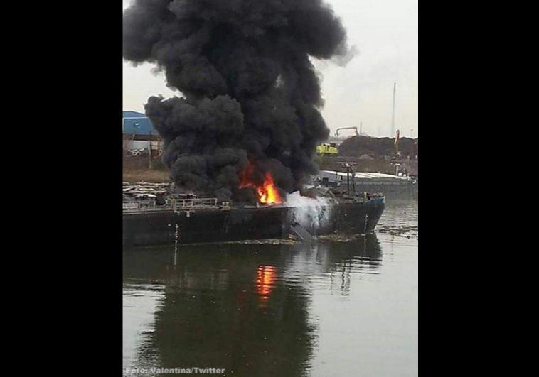 almanyada-tanker-gemisinde-patlama-2-olu.JPG