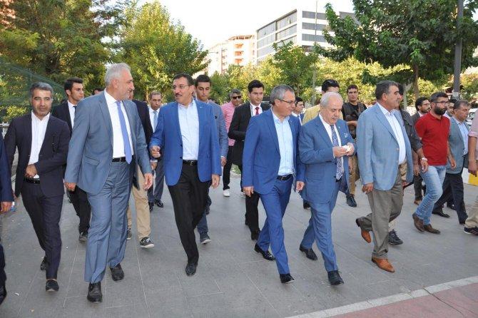 bakan-tufenkci-turkiye'nin-bir-kismini-esad-rejimine-feda-edenler...-001.jpg