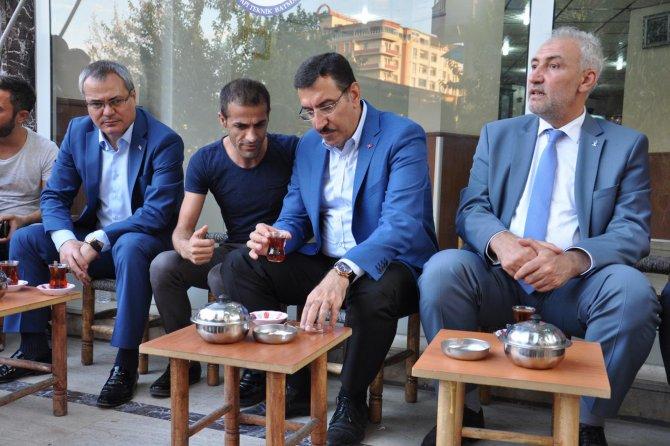 bakan-tufenkci-turkiye'nin-bir-kismini-esad-rejimine-feda-edenler...-003.jpg