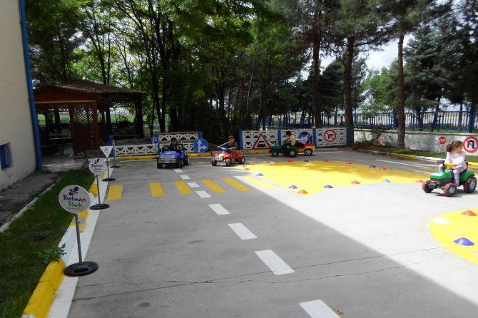 batman'da-karayollari-'trafik-haftasi'-etkinlikleri-001.jpg