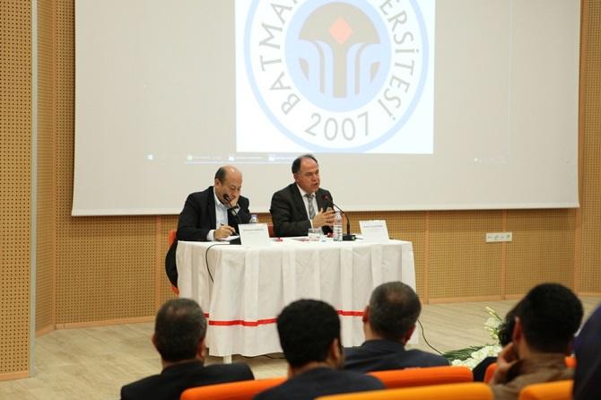batman-universitesi'nde-yeni-anayasa-calismalari-tartisildi-001.JPG