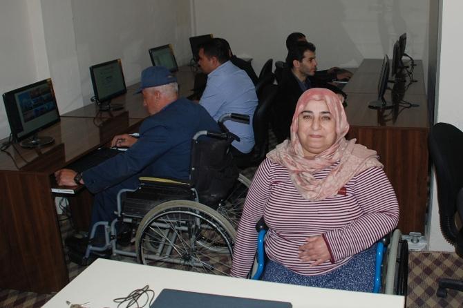 batmanda-engellilere-bilgisayar-kursu.jpg
