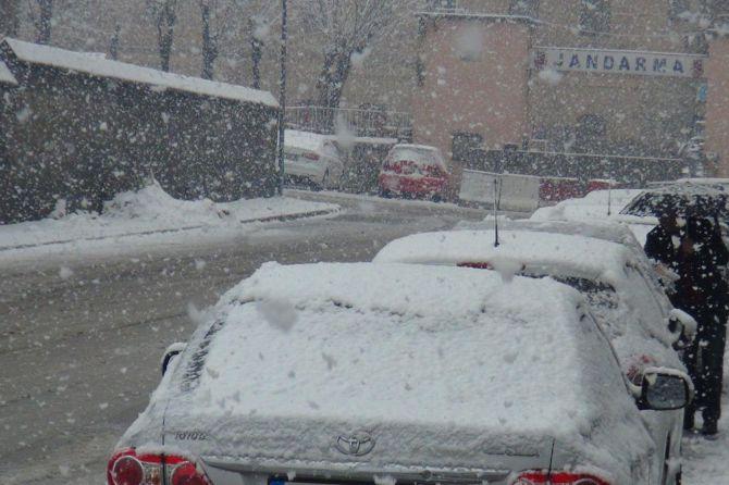 bitlis'te-kar-yagisindan-39-koy-yolu-ulasima-kapali.jpg