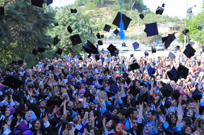 btude-'mezuniyet-sevinci'-devam-ediyor-001.jpg