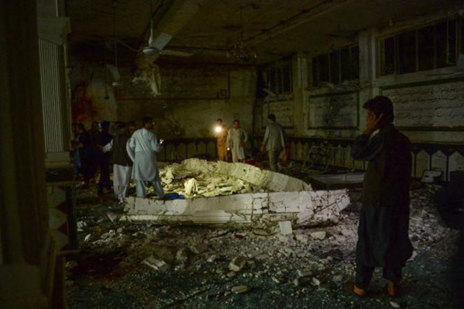 camiye-bombali-saldiri.jpg