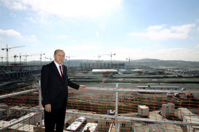 cumhurbaskani-erdogan,-3.havalimani-insaatini-inceledi-001.jpg