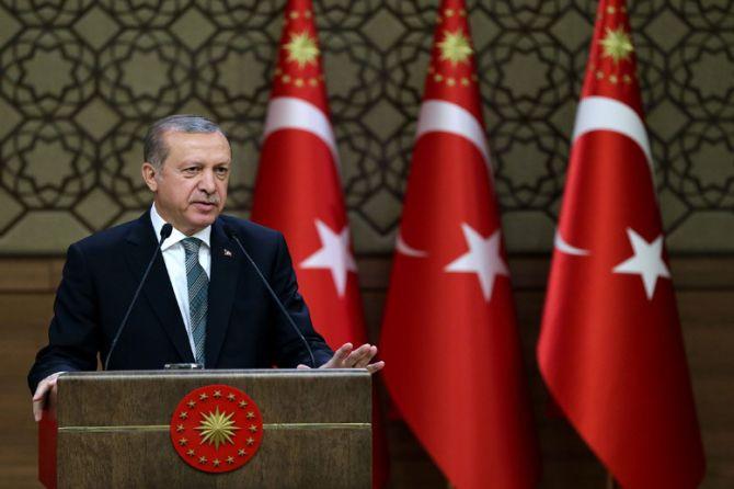 cumhurbaskani-erdogan-iplerinin-nereye-uzandigi-malumdur-002.jpg