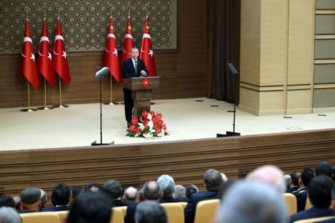 cumhurbaskani-erdogan-iplerinin-nereye-uzandigi-malumdur-003.jpg