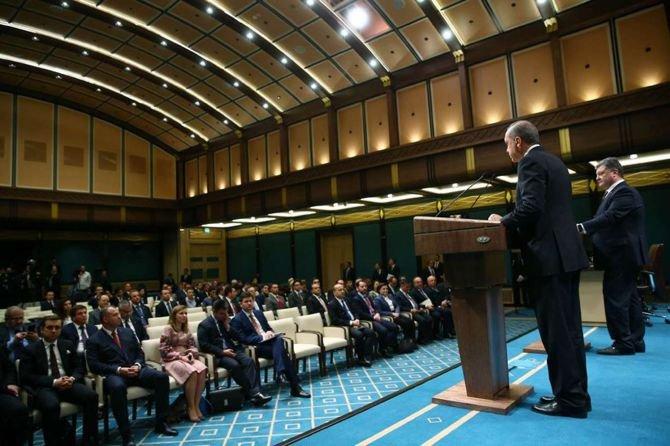 cumhurbaskani-erdogan-ve-ukrayna-devlet-baskani-porosenko-ortak-basin-toplantisi-duzenledi-003.jpg