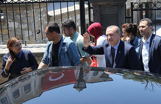 cumhurbaskani-erdogana-sevgi-gosterisi.jpg