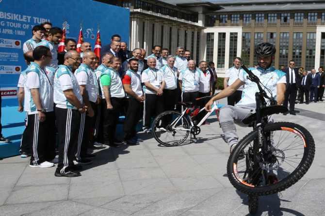 cumhurbaskanligi-bisiklet-turnuvasi-yapildi-002.jpg