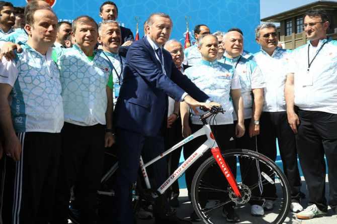 cumhurbaskanligi-bisiklet-turnuvasi-yapildi-003.jpg