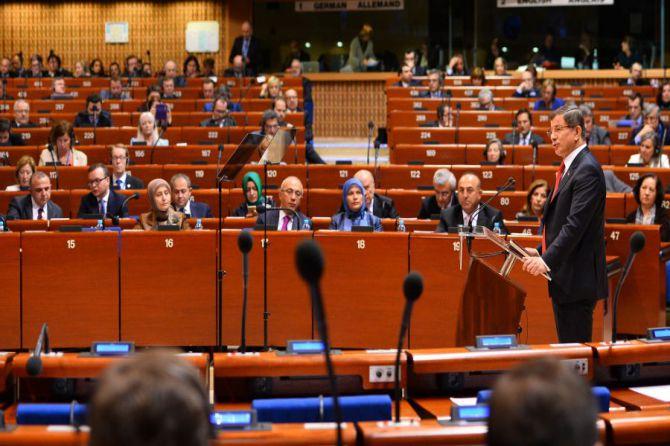 davutoglu,-avrupa-konseyi-parlamenterler-meclisi'nde-konustu-001.jpg