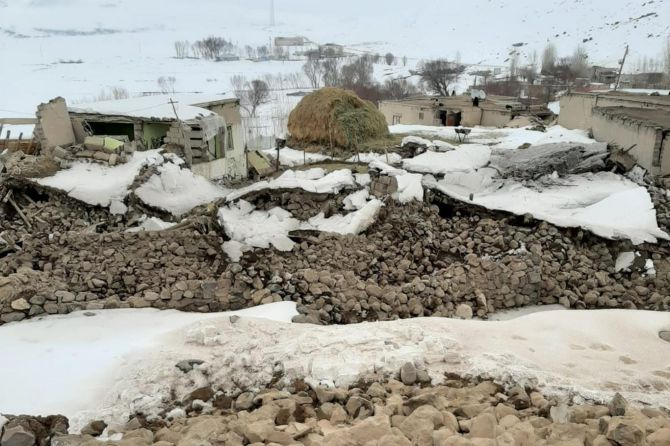 deprem-ozpinar-koyu-003.jpg