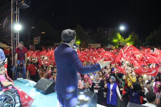 diyarbakir'da-23.gunde-darbe-karsiti-gosteriler!-001.jpg