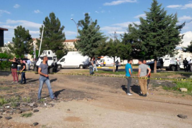 diyarbakir'da-buyuk-patlama-oldu.jpg