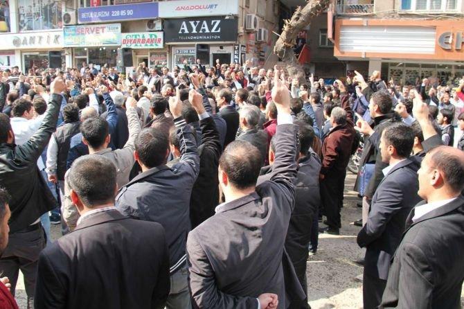 """diyarbakir-islami-stk'lari,-""""muslumanlarin-degerlerine-hakaret-etmek-hakkinizda-degildir-haddiniz-de""""---002.jpg"""