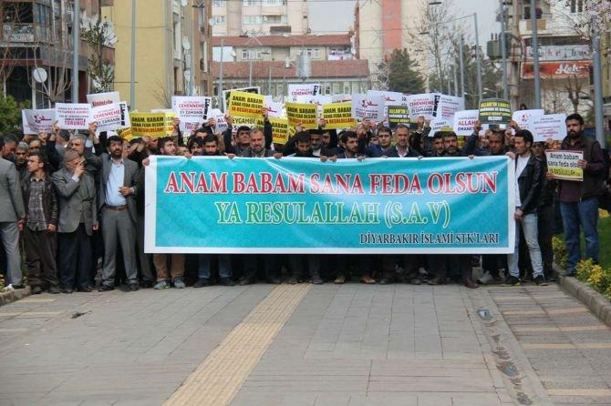 """diyarbakir-islami-stk'lari,-""""muslumanlarin-degerlerine-hakaret-etmek-hakkinizda-degildir-haddiniz-de""""--.jpg"""