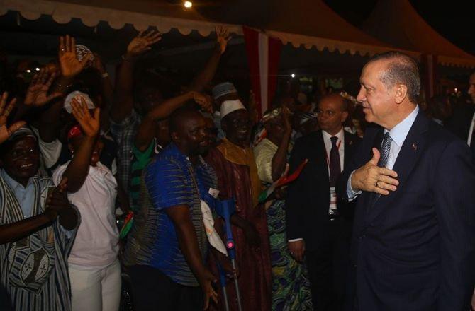 erdogan,-afrika-seyahatinin-ilk-duraginda2.jpg