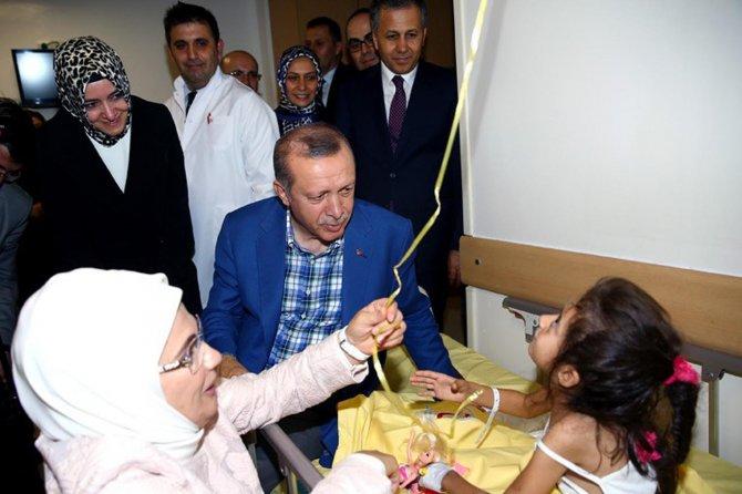 erdogan,-gaziantep-saldirisinda-yaralananlari-ziyaret-etti-003.jpg