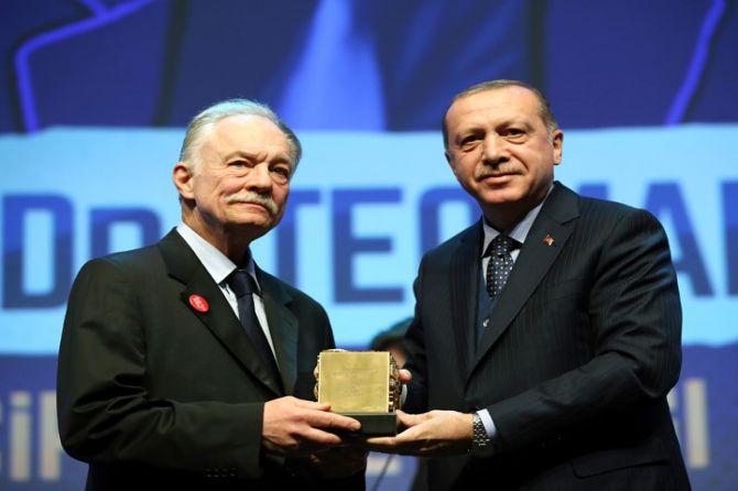erdogan-necip-fazil-odulleri-toreni.jpg
