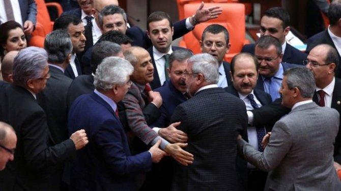 erdoganin-sozlerini-chpliler-hazmedemedi.jpg