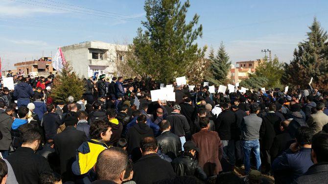 hizbullah-lideri-velioglu-kabri-basinda-anildi-002.jpg
