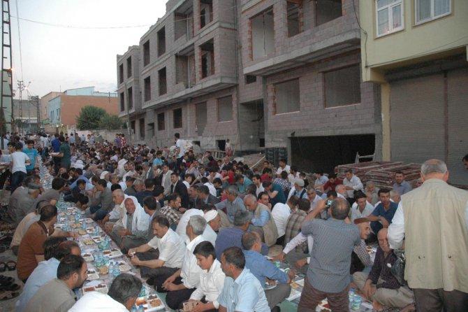huda-par-cinar-teskilatindan-iftar-yemegi-002.jpg
