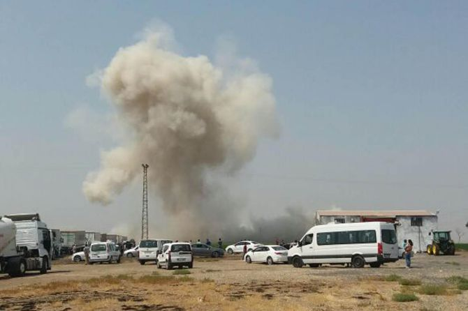 ipekyolu'na-tuzaklanan-bomba-imha-edildi-002.jpg