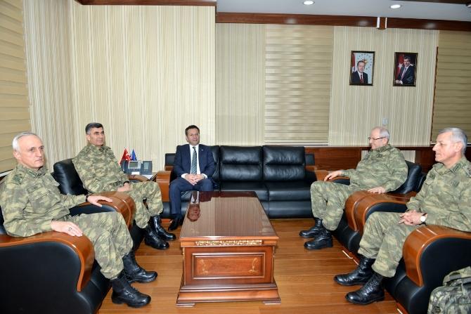 kara-kuvvetleri-komutani-orgeneral-salih-zeki-colak,-diyarbakir-valisi-huseyin-aksoy.jpg