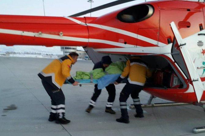karda-mahsur-kalan-hastalar--helikopterle-kurtarildi-003.jpg