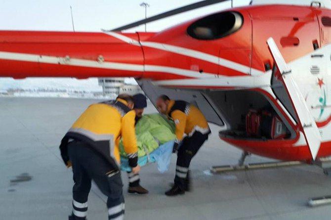 karda-mahsur-kalan-hastalar--helikopterle-kurtarildi.jpg