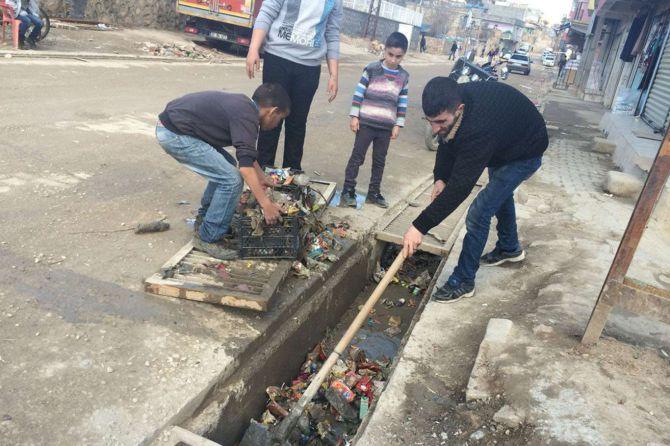 mazidagi-belediyesi-yapmayinca-esnaf-yapiyor!.jpg
