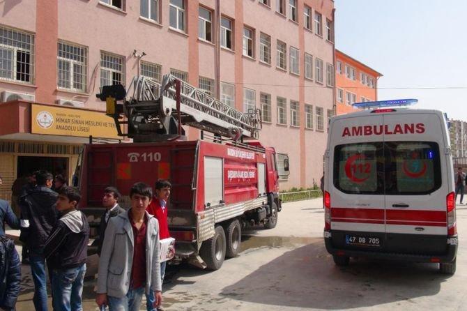 okulda-yangin-cikti-002.jpg