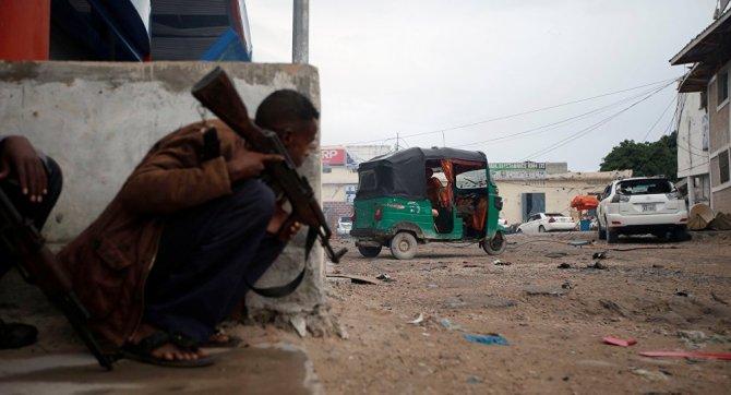 somali'de-otele-yapilan-saldirida-en-az-15-olu.jpg