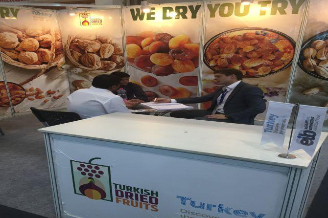 turk-kuru-meyveleri-hindistan-yolcusu-001.jpg