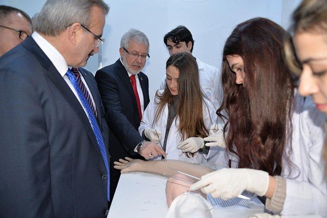 turkiye'nin-ilk-sanal-hastanesi-bursa'da-acildi-002.jpg