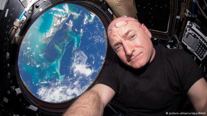 uzaya-gitme-sansi-yakalayan-ikiz-kardesler-detay.jpg