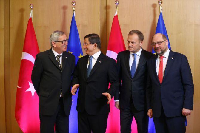 vrupa-konseyi-baskani-donald-tusk,-avrupa-komisyonu-baskani-jean-claude-juncker-ve-avrupa-parlamentosu-baskani-martin-schulz-001.jpg