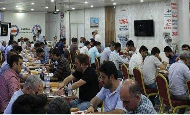 yedihilal-dernegi-iftar-programi.jpg
