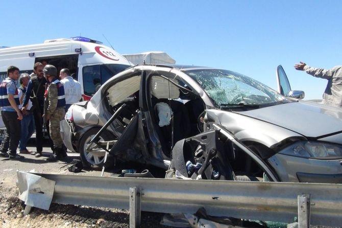 yol-calismasi-kazaya-sebep-oldu--5-yarali-001.jpg